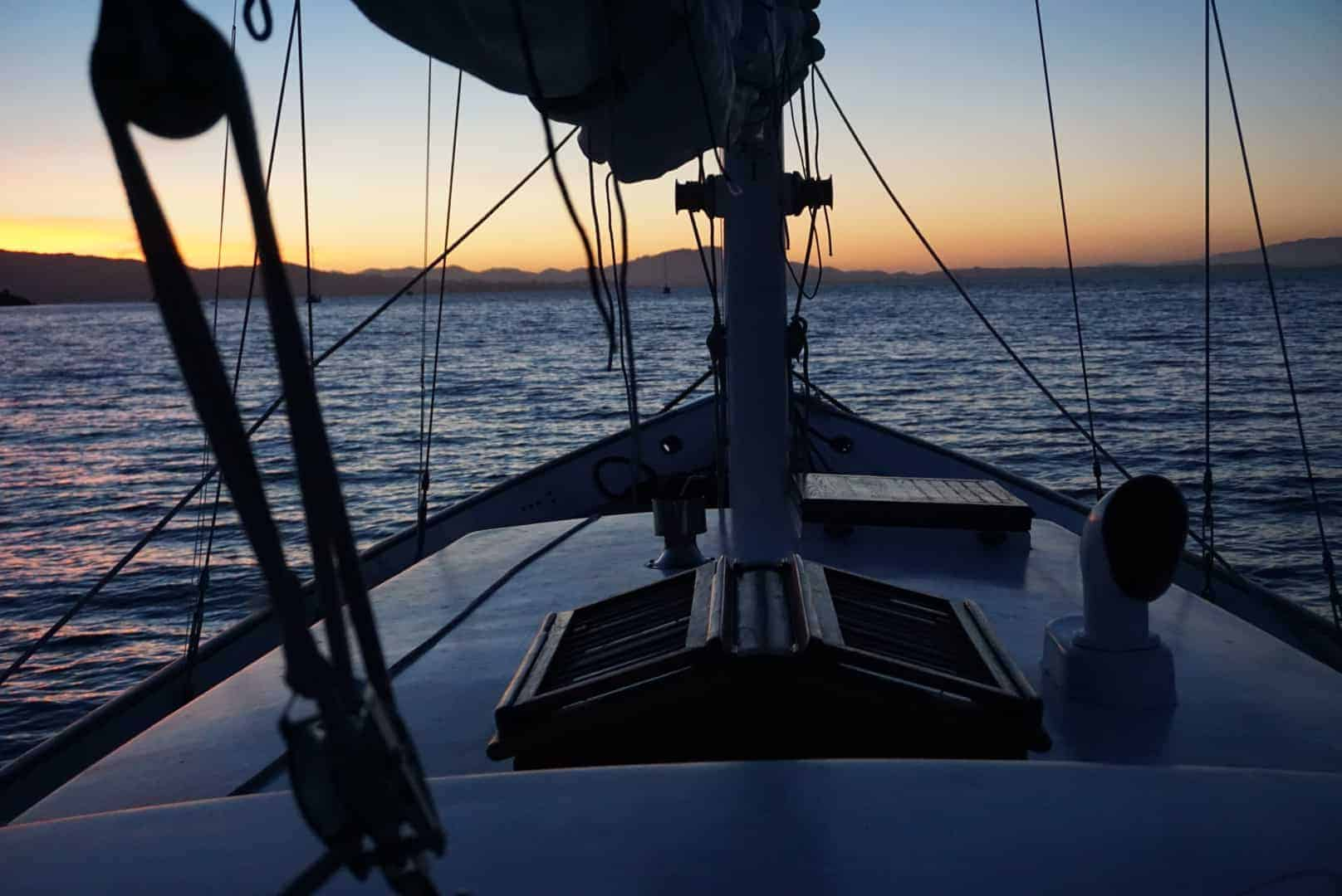 Top 5 reasons I love living on a sailboat full-time