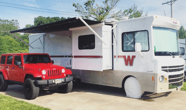 Meet the woman who makes $100,000 per month blogging and lives in an RV