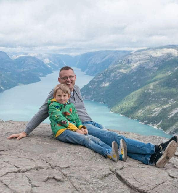 Family of five travels the world full-time as nomads