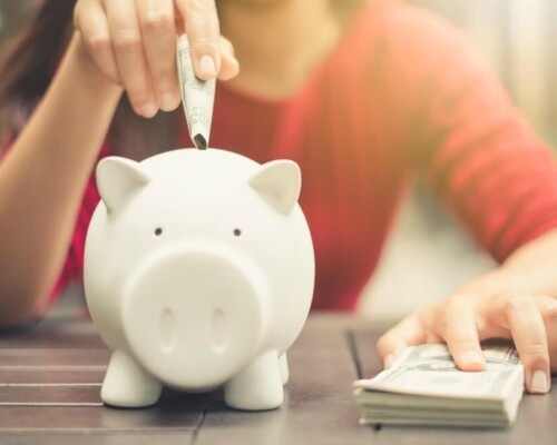7 simple ways to save money every month and live on a budget
