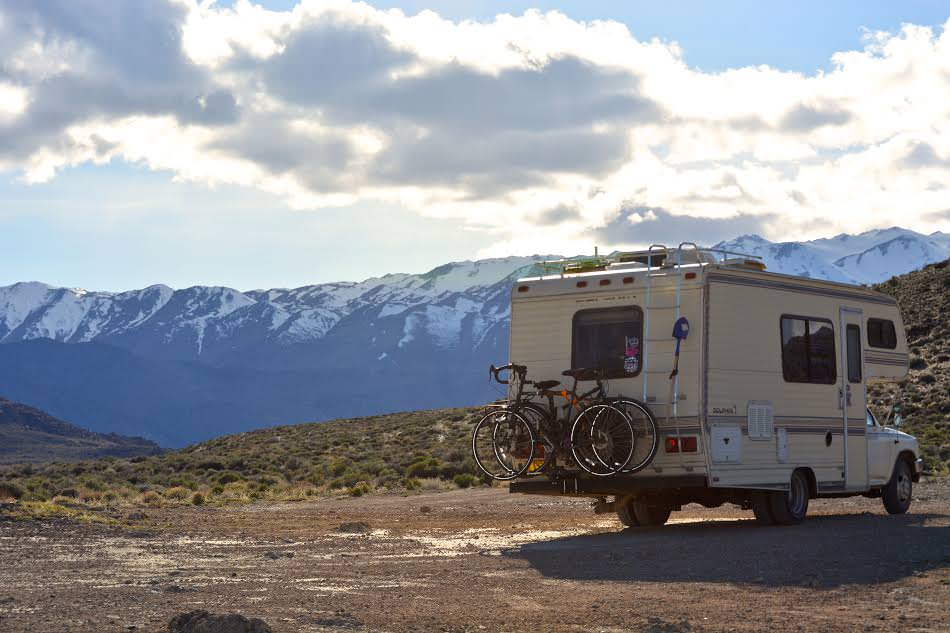 Couple living in an RV and traveling full-time