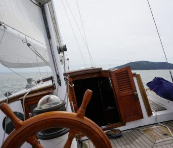 Minimalist living on a sailboat: How I got rid of stuff