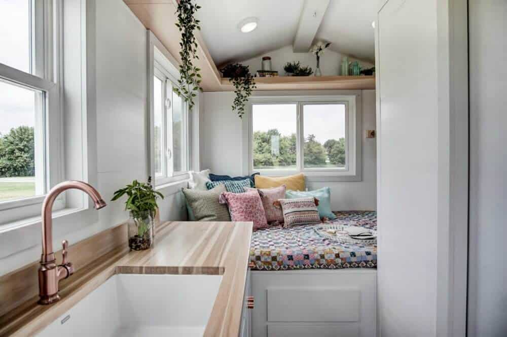 Swell 9 Adorable Tiny Homes For Sale You Can Buy Right Now The Complete Home Design Collection Papxelindsey Bellcom