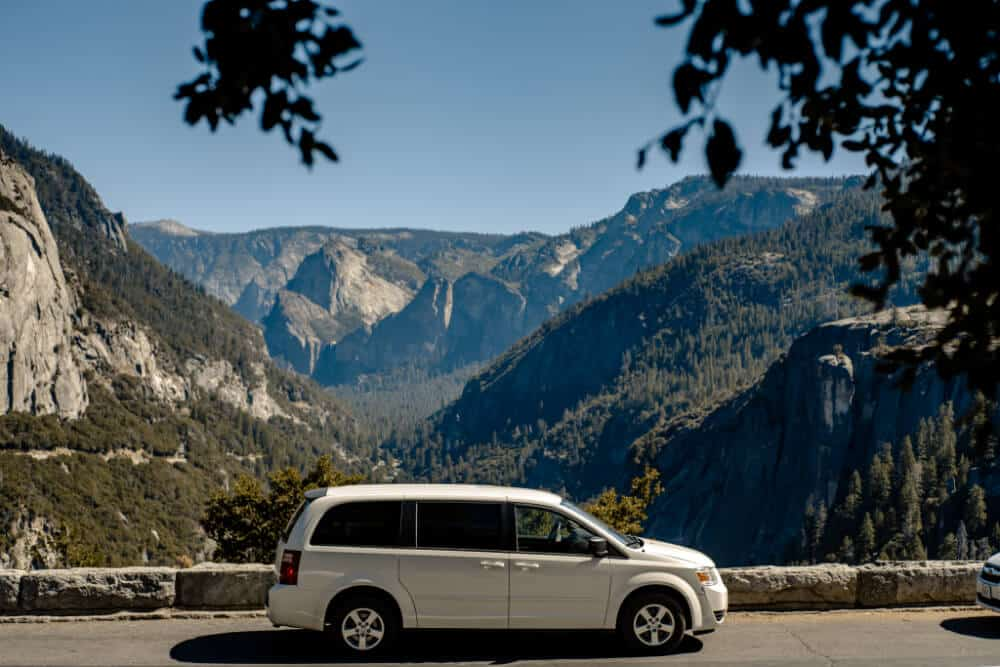 AIRYE Dodge Caravan camper in Yosemite