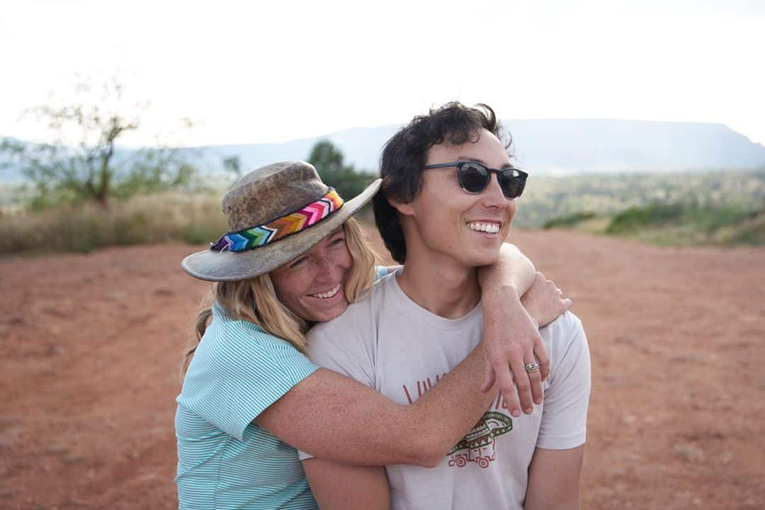 Mak and Owen in the desert