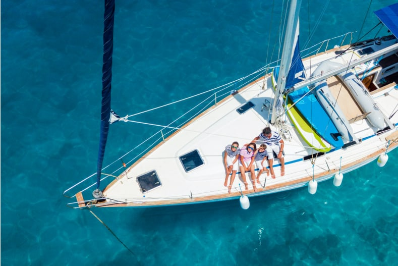 13 Best Gifts for Sailors for Comfort, Fun and Safety