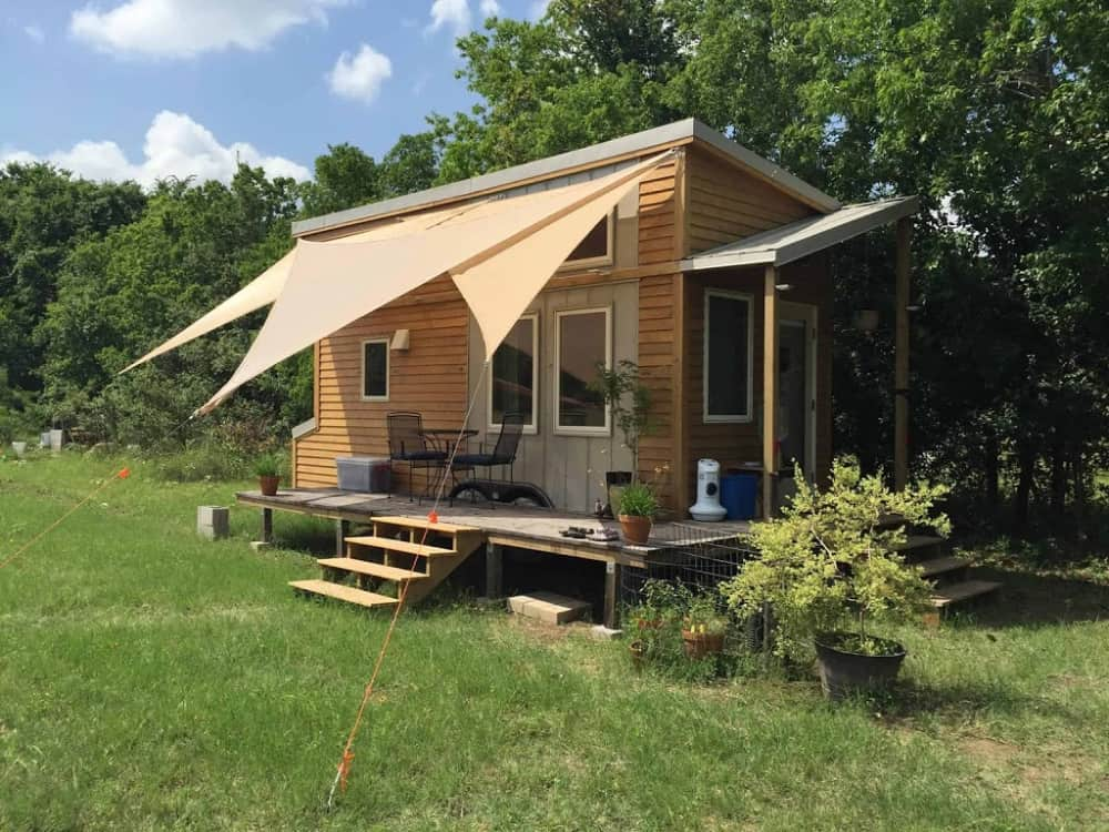 Unique tiny home with land