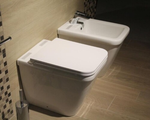 Tiny house toilet options feature image