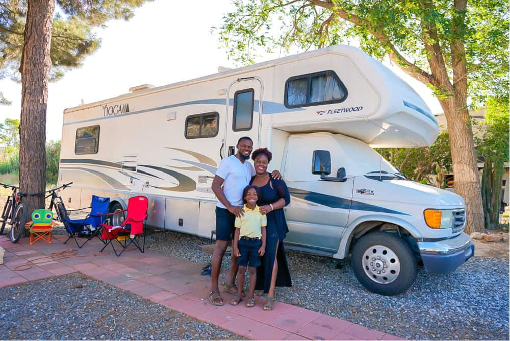 Family of 3 Ditches House for Class C RV
