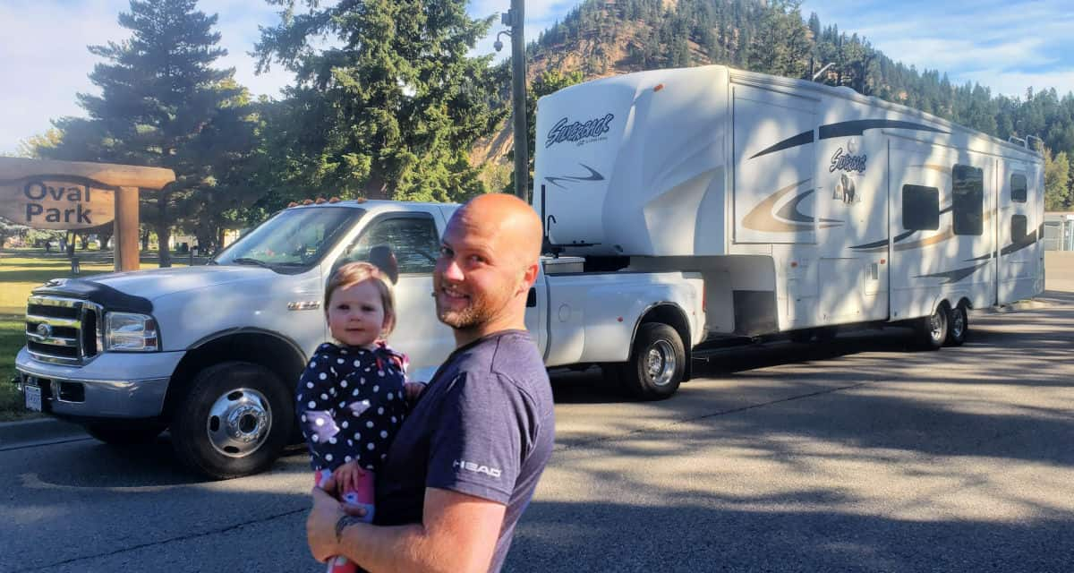 This man learned to start a bookkeeping business and live in a 5th wheel RV
