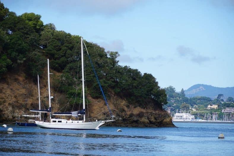 Catamaran vs Monohull: Monohull near buoys