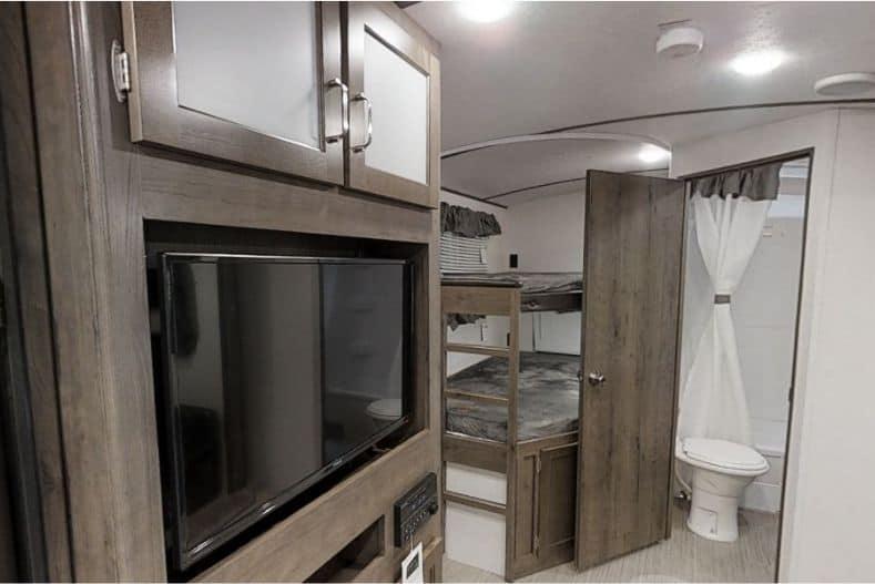 Keystone Passport bunks and interior