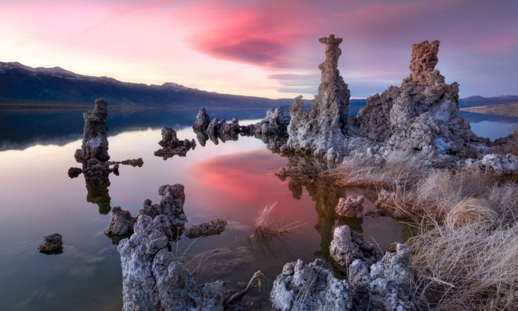 Mono Lake is in the evening - a good place for free camping in California