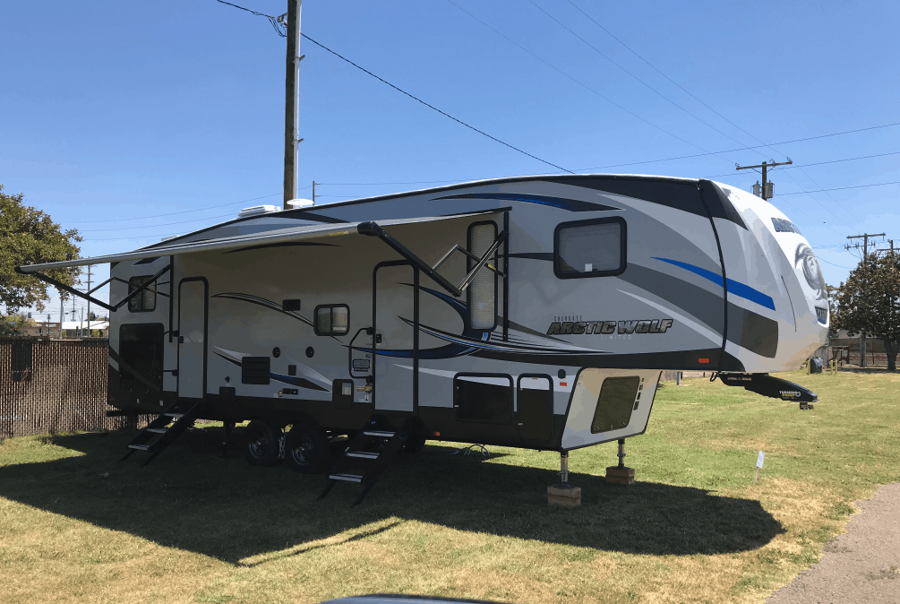 5th wheel camper trailer rental