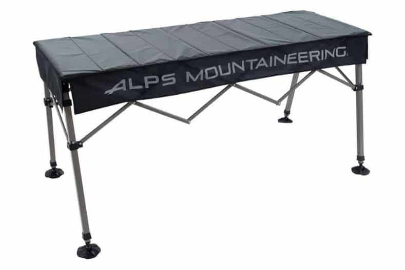 Extendable camping table