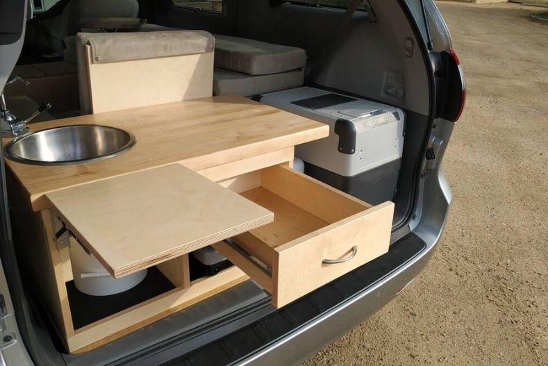 dodge grand caravan camper conversion kit 2 Rad Dodge Grand Caravan Camper Conversion Kits & DIY Ideas